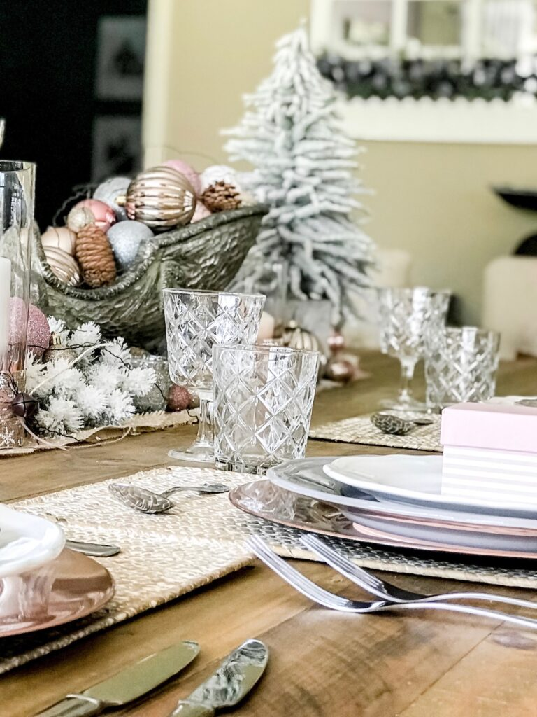 blush-themed-christmas-decorating-wollondilly