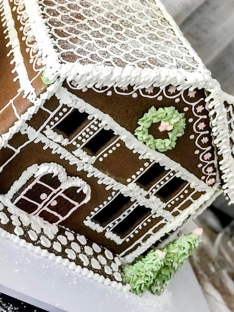 blush-themed-christmas-gingerbread-decorating-sydney