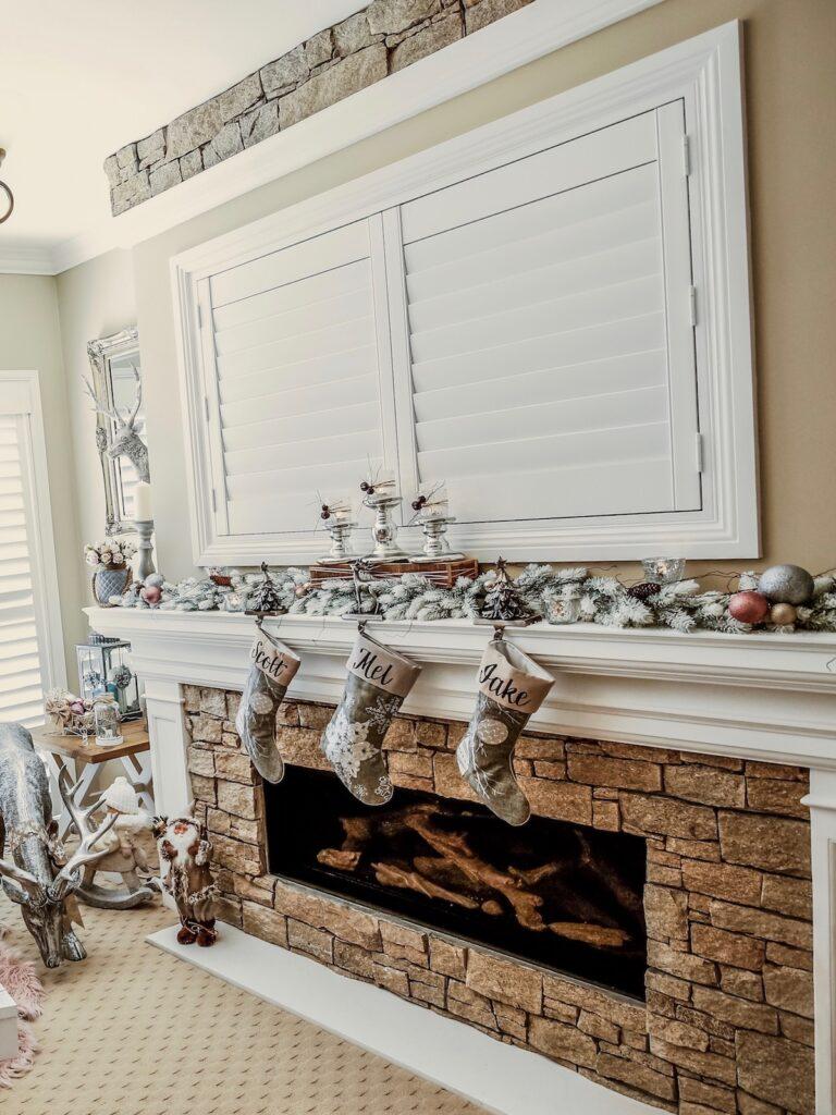 blush-themed-christmas-mantle-decorating-sydney