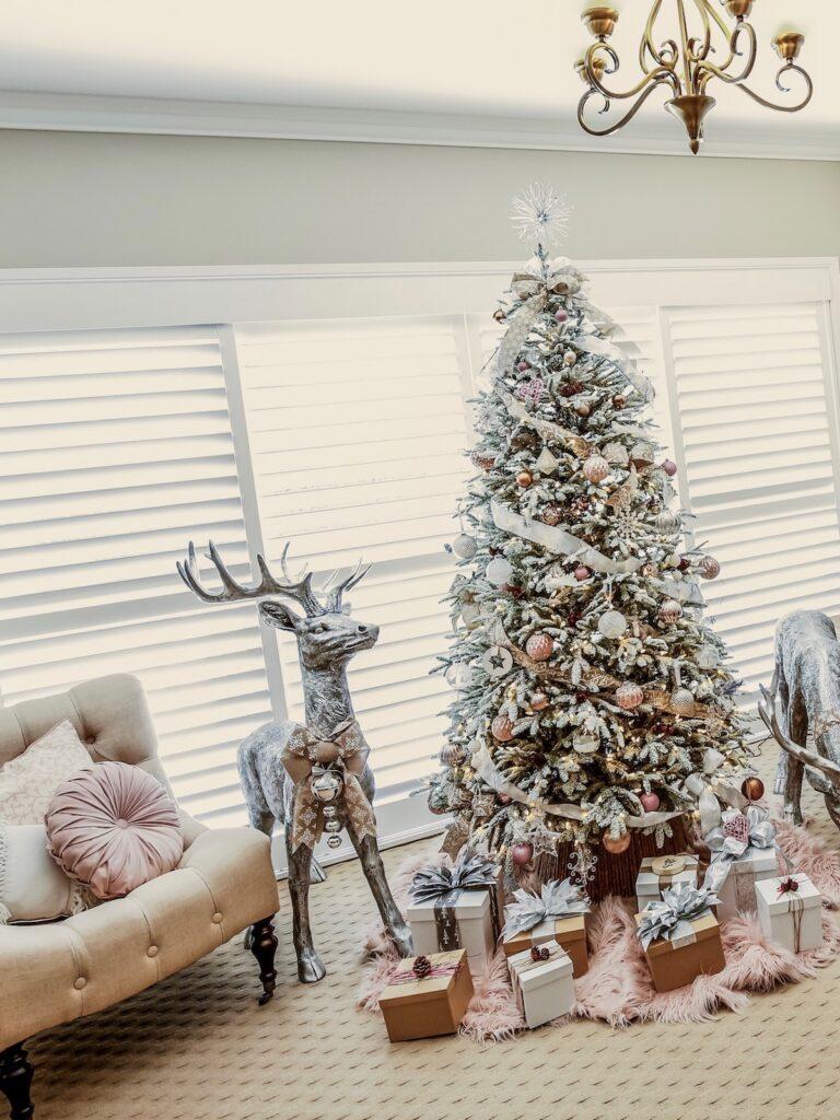 blush-themed-tree-christmas-decorating-sydney