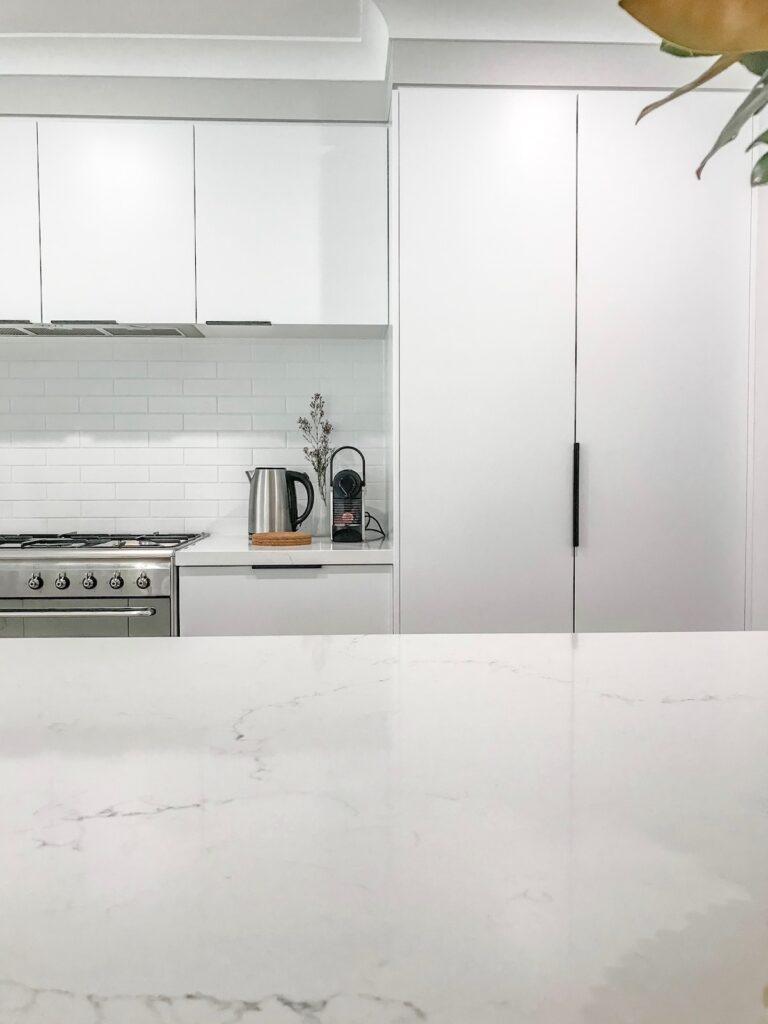 contemporary-minimalist-interior-kitchen-reno-sydney