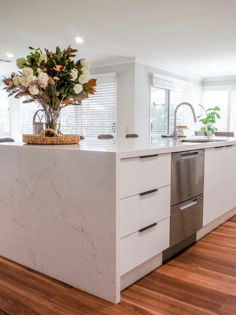contemporary-minimalist-kitchen-design