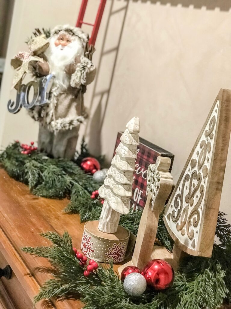 farmhouse-themed-christmas-decorating-entry-sydney