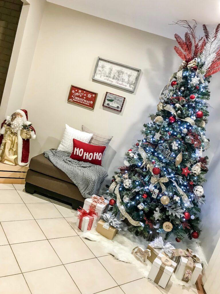 farmhouse-themed-christmas-decorating-picton