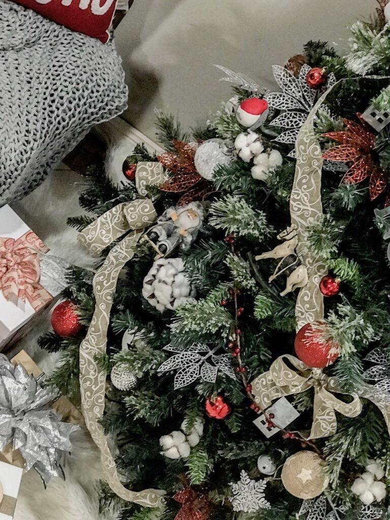 farmhouse-themed-christmas-tree-decorating-sydney