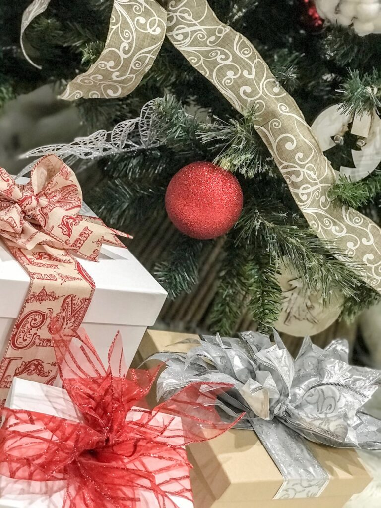 farmhouse-themed-ribbon-christmas-decorating-sydney