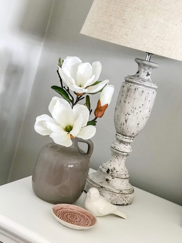 hamptons-bedroom-lamps-interior-decorator-sydney
