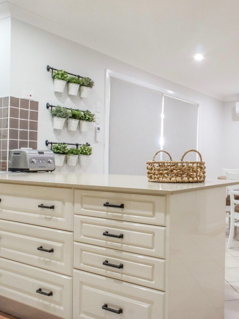 hamptons-kitchen-finishes-wollondilly