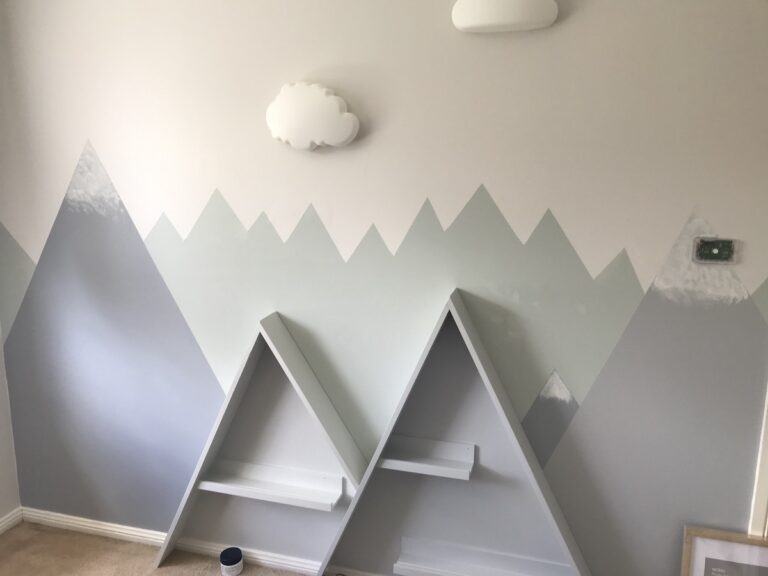 nursery-mountain-feature-wall-painting