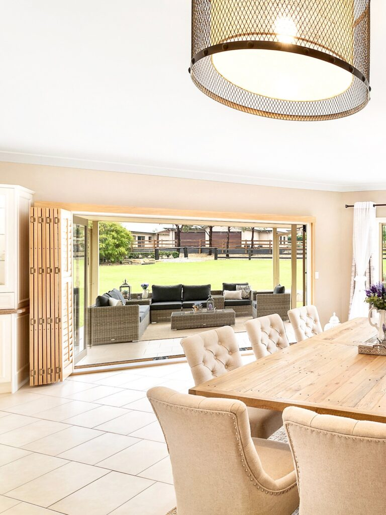 provincial-country-interior-decorating-dining-room-doors-sydney