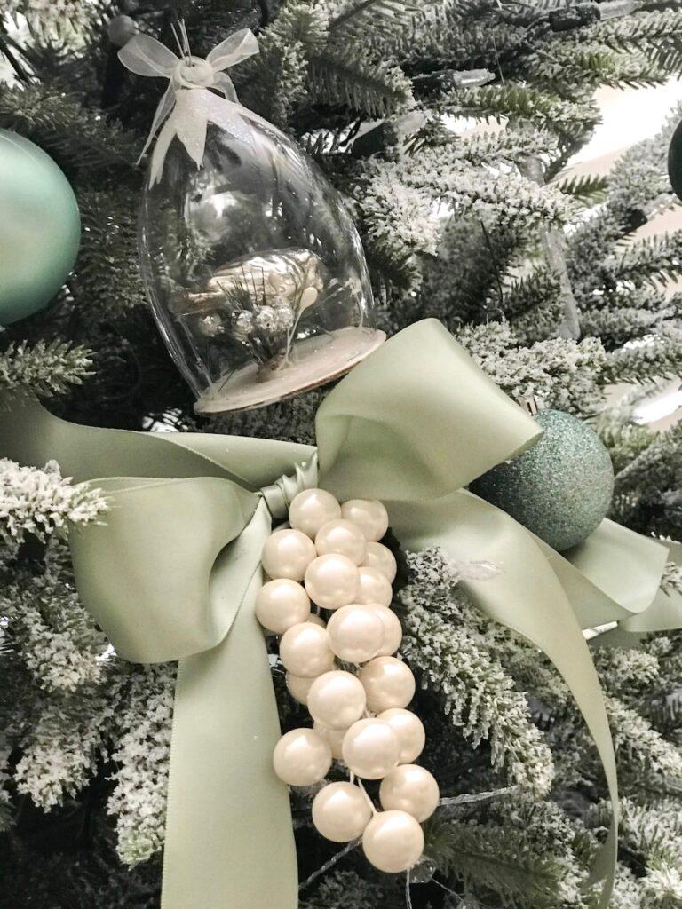 sage-themed-ornaments-interior-christmas-decorating-sydney