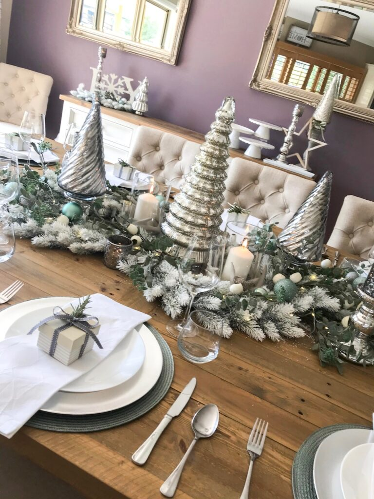 sage-themed-table-setting-interior-christmas-decorating-sydney