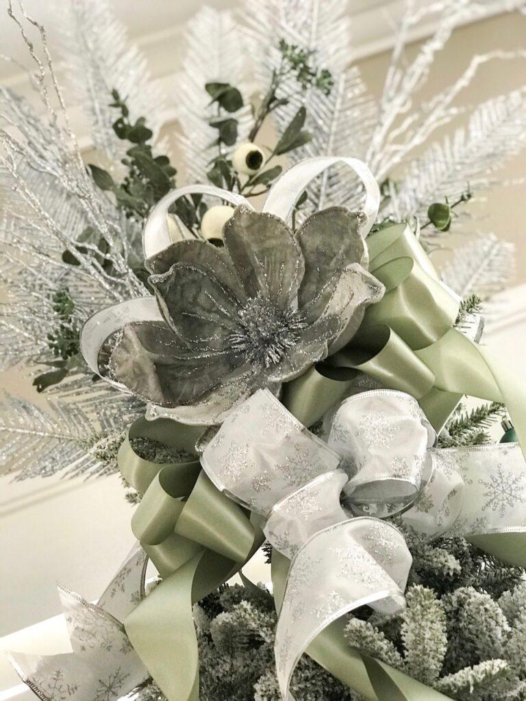 sage-themed-tree-topper-interior-christmas-decorating-sydney
